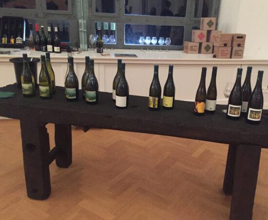 2017 wines with artwork of Stefan Peters